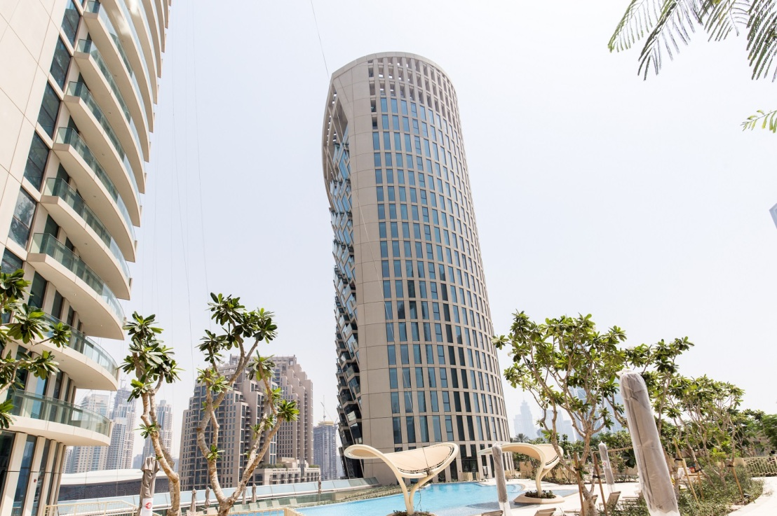 One of the most prestigious buildings in Downtown Dubai receives its first residents with direct access to The DubaiMall